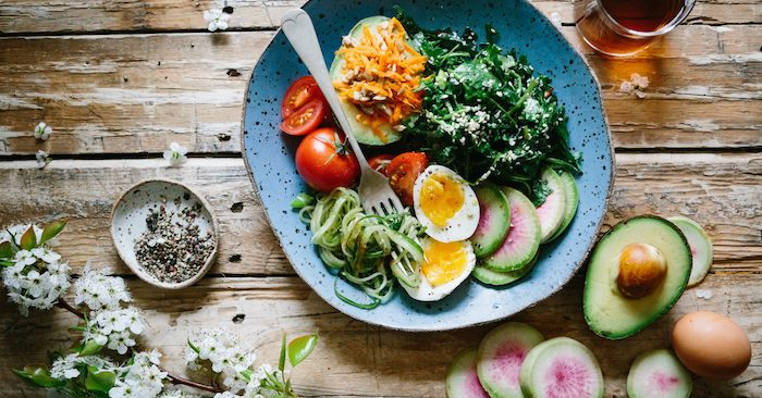 Bien manger simplement: 10 principes à adopter dans son alimentation